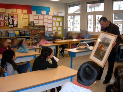 Prise de contact avec la classe et présentation de mon travail artistique.
