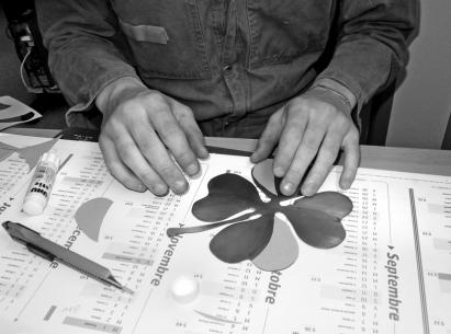 16 Haïkus écrits sur Canson directement collé sur le métal - © B. Runtz