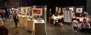 7 Salon du Livre Merveilleux Châtenay-Malabry - Atelier de sculptures-livres en cours - © DR